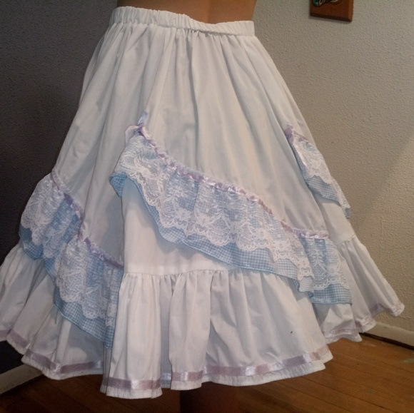 Vintage Handmade Dresses & Skirts - White/Blue Large Cowgirl/Western Tiered Skirt